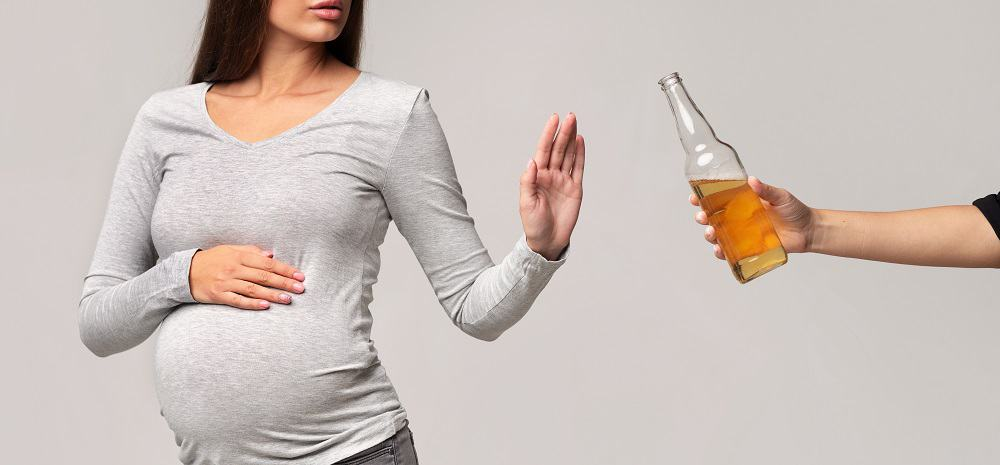 pregnant woman saying no to non alcoholic beer